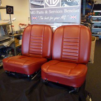 Voorbeeld Set rode lederen stoelen 69-style